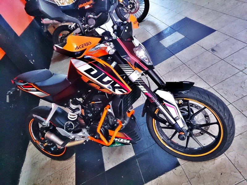 Ktm Duke 200 With Powerparts Non Abs Trademysuperbike Com My